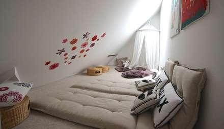 Dormitorios infantiles de estilo ecléctico por raumatmosphäre pantanella