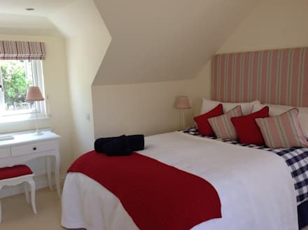 Bedroom in Holiday Home: mediterranean Bedroom by Dupere Interior Design