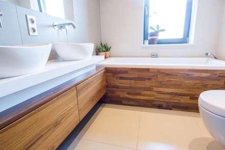 Wnętrze domu w Wieluniu: styl , w kategorii Łazienka zaprojektowany przez Projektowanie wnętrz Berenika Szewczyk