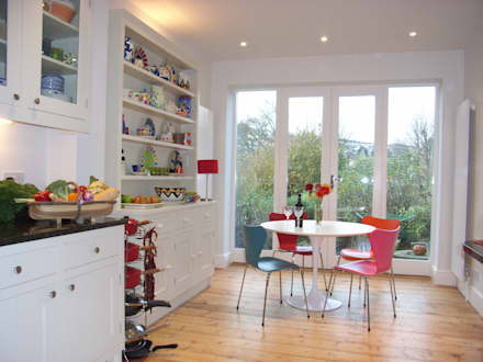 Kitchen Diner overlooking garden: classic Kitchen by Style Within