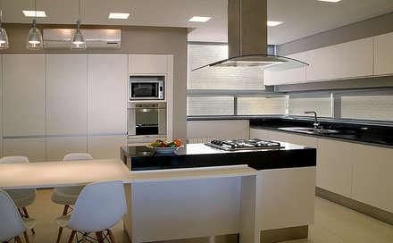 Cocina: Cocinas de estilo moderno por METODO33