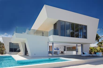 Rum Point: modern Houses by Nicolas Tye Architects