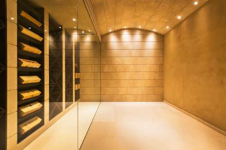CASA SV II: Bodegas de estilo minimalista de RM arquitectura