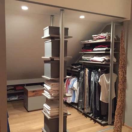Schlafzimmer: moderne Ankleidezimmer von Holz+Design GbR
