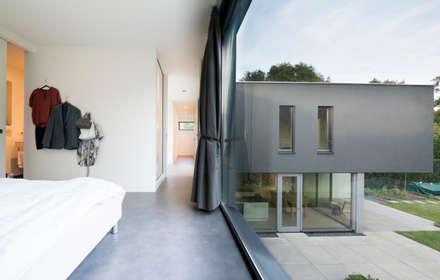 Licht en Zicht: moderne Slaapkamer door Architect2GO