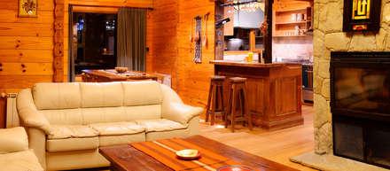Casa Amancay Ι San Martín de los Andes, Neuquén. Argentina.: Livings de estilo rural por Patagonia Log Homes