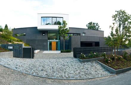 hochwertiges Einfamilienhaus: ausgefallene Häuser von 21-arch GmbH