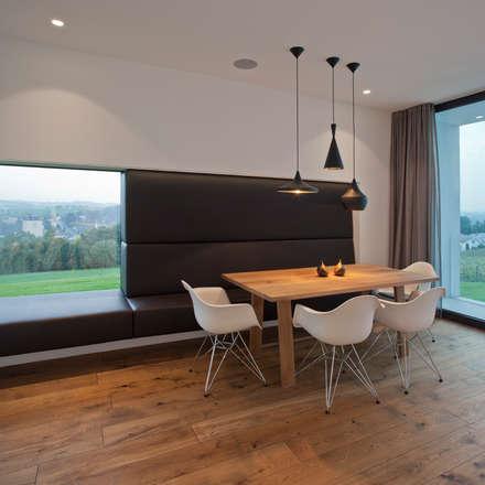 Wohnhaus P. - Oberösterreich: moderne Esszimmer von Frohring Ablinger Architekten