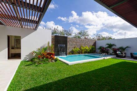 modern Pool by Enrique Cabrera Arquitecto