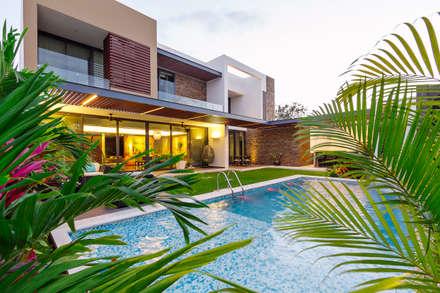สระว่ายน้ำ by Enrique Cabrera Arquitecto