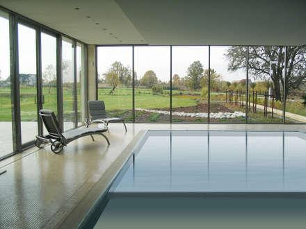 Rezydencja : styl , w kategorii Basen zaprojektowany przez MAŁECCY biuro projektowe