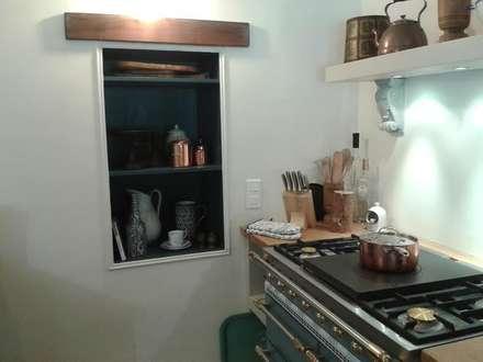 Kitchen display shelves: mediterranean Kitchen by Bandon Interior Design