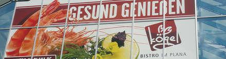 bedruckte glasdekorfolie als werbefläche im einzelhandel:  Einkaufscenter von BCR  informieren | leiten | werben
