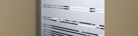 sichtschutz zwischen ankleidezimmer und schlafzimmer: klassische Ankleidezimmer von BCR  informieren | leiten | werben