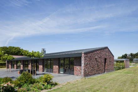Wohnhaus Blechhof Dormagen:  Terrasse von Wichmann Architekten Ingenieure GmbH