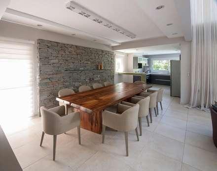 ห้องทานข้าว by Estudio Sespede Arquitectos
