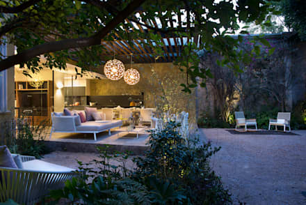 Showroom Reforma 615: Jardines de estilo moderno de Vieyra Arquitectos