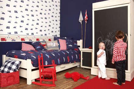 Vehículos asistencia: Dormitorios infantiles de estilo clásico de Papel Pintado Saint Honoré
