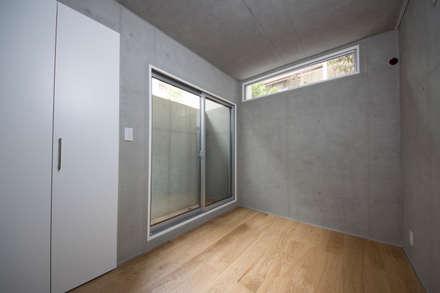 T-HOUSE/子供部屋: アトリエ・ノブリル一級建築士事務所が手掛けた子供部屋です。
