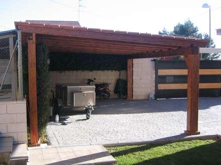Garajes abiertos de estilo  por Incofusta