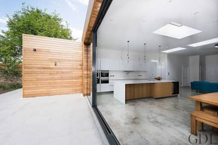 St Mary's Crescent, London - Kitchen Extension:  Windows  by Grand Design London Ltd