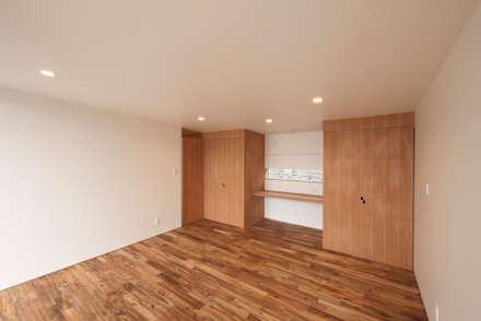 桜ヶ丘の家: 有限会社MuFFが手掛けた子供部屋です。