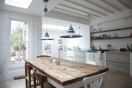 Rear Extension: modern Dining room by Oakman