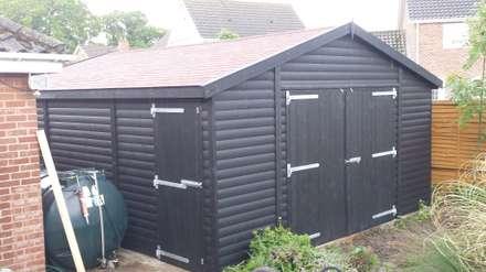 Bespoke Wooden Garge: scandinavian Garage/shed by Regency Timber Buildings LTD