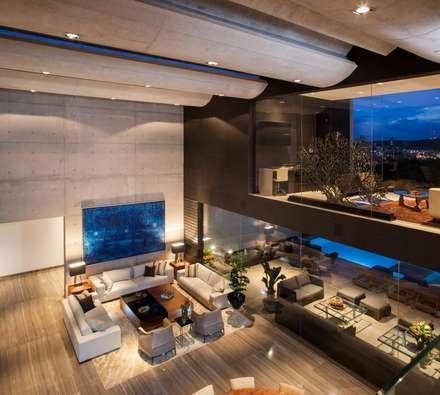 Casa CH: Salas de estilo moderno por GLR Arquitectos