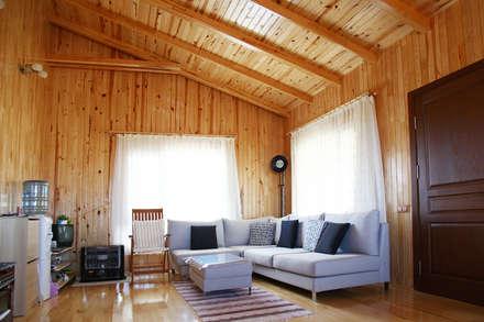 Kuloğlu Orman Ürünleri – AHSB - AHŞAP EV MODEL B: minimal tarz tarz Oturma Odası