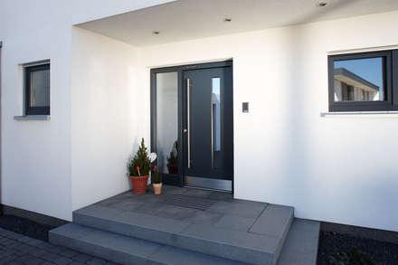 ARCHITEKTUR TREND - Eingang:  Haustür von FingerHaus GmbH