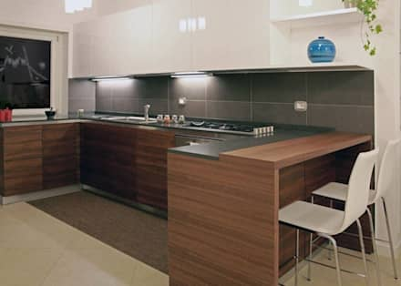 Roma House 2012: Cucina in stile in stile Minimalista di AMN studio