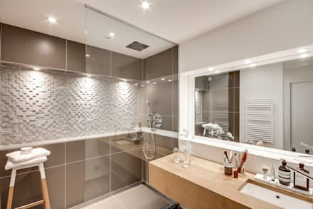 1+1=1: Salle de bain de style de style Moderne par bypierrepetit