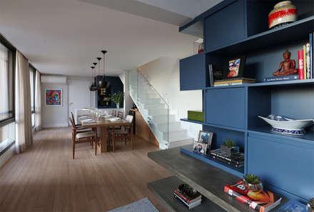 Cobertura - Pinheiros: Salas de jantar modernas por MANDRIL ARQUITETURA E INTERIORES