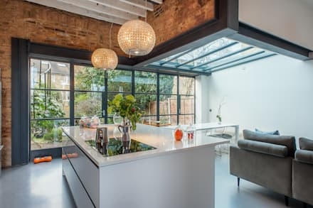 Full House Renovation with Crittall Extension, London: industrial Kitchen by HollandGreen