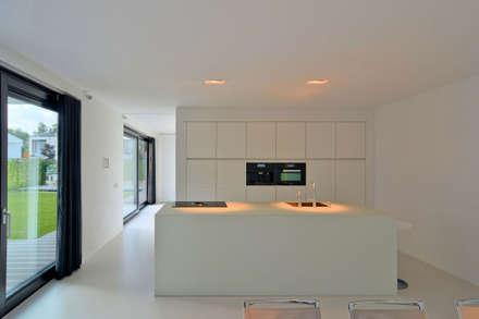 K&N 11: moderne Keuken door CKX architecten