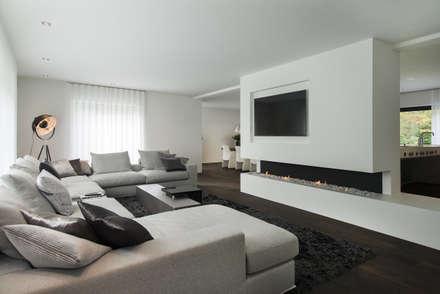 Moderne woonkamer design idee n inspiratie en foto 39 s homify for Moderne woonkamer