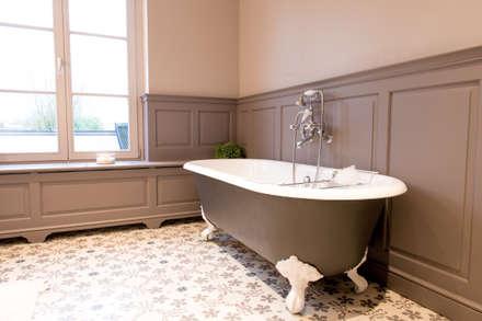Kenny&Mason Bathrooms: koloniale Badkamer door Kenny&Mason