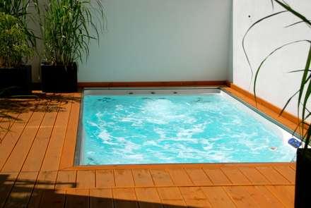 Pretty Pool: moderner Pool von Future Pool GmbH