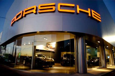 Concesionarias de automóviles de estilo  por Postigo design