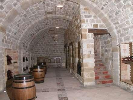 ห้องเก็บไวน์ by Estudio A. Devalle-Granell Arquitectura.
