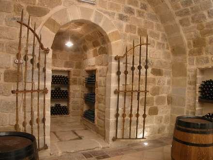 rustic Wine cellar by Estudio A. Devalle-Granell Arquitectura.