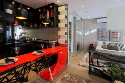 ONE_Pompéia: Salas de jantar modernas por Chris Silveira & Arquitetos Associados