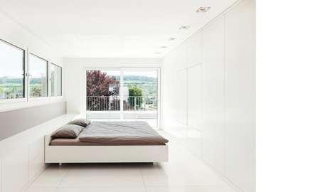 Schlafzimmer: minimalistische Schlafzimmer von Dost