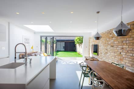 Richmond Extension and Garden Office: modern Kitchen by Holland and Green