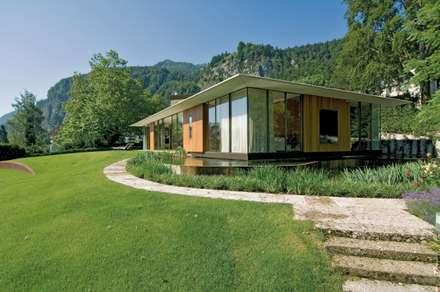 Privat Haus St. Gilgen, Austria: moderne Häuser von SilvestrinDesign