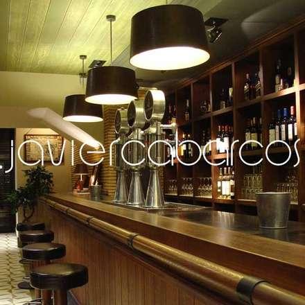 LA SUCURSAL . cerveceria&restaurante: Bares y Clubs de estilo  de JAVIER CABARCOS