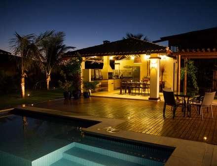 Piscinas de estilo  por Jamile Lima Arquitetura