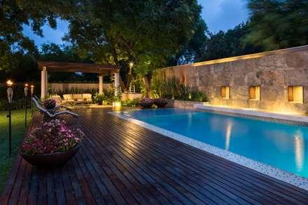 modern Pool by Rousseau Arquitectos