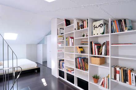 Interiorismo de un piso en Girona: Estudios y despachos de estilo minimalista de FAA Fraguell Arquitectes Associats, scp